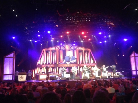 The Grand Ole Opry : The stage