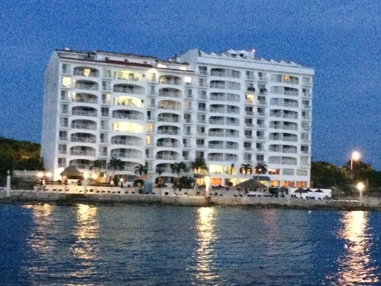 Coral Princess Golf & Dive Resort: View from a pirate ship dinner excursion