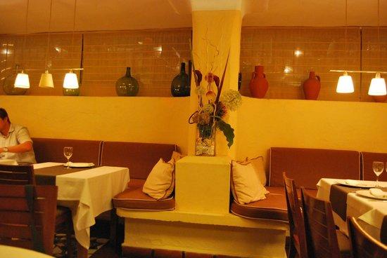 Restaurante El Muelle: Decoración del comedor
