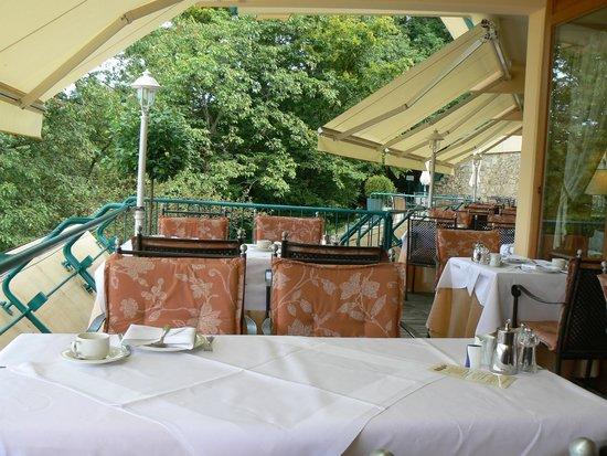 Mercure Hotel Panorama Freiburg: Terrasse panoramique du restaurant