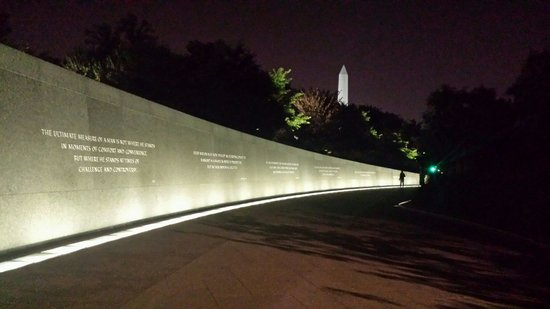 Martin Luther King, Jr. Memorial : Beautiful background