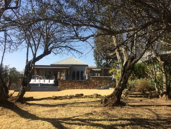 Qambathi Mountain lodge: The view of the lodge from outside