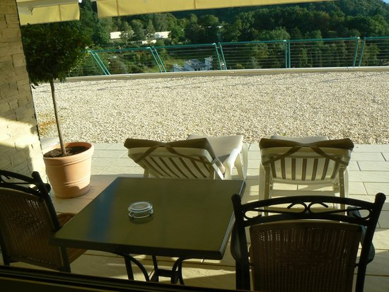 Mercure Hotel Panorama Freiburg: Terrasse de la chambre et mobilier