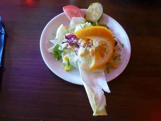 Amaltas: Der Salat mit der eingetrockneten Gurkenscheibe