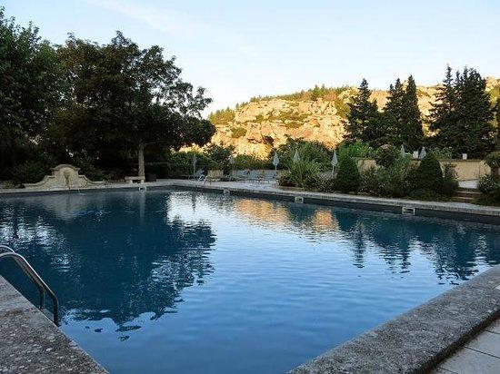 Baumaniere les Baux de Provence: Pool