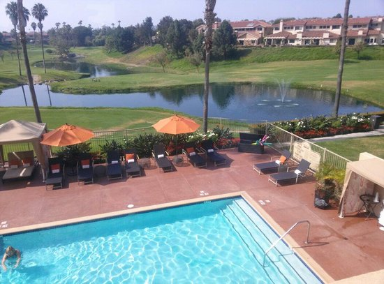 Manhattan Beach Marriott: Pool golf