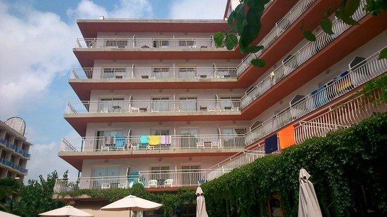 Hotel Acapulco Lloret de Mar: Los balcones esquivarlos son dobles
