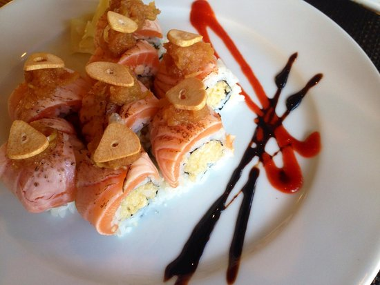 Wild Orchid Bistro & Sushi Lounge: Amazing:) rolls