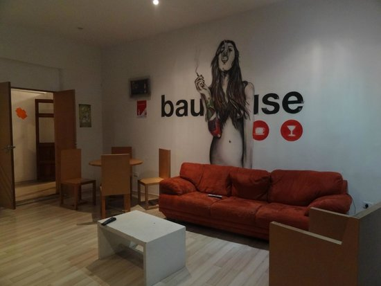 Bauhouse Hostel : Sala de TV