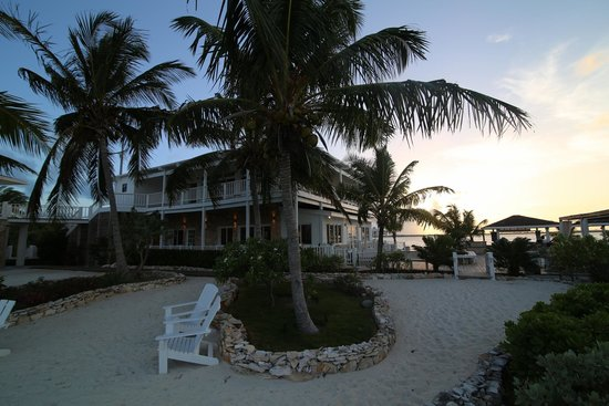 Turquoise Cay Boutique Hotel: Hotel Grounds