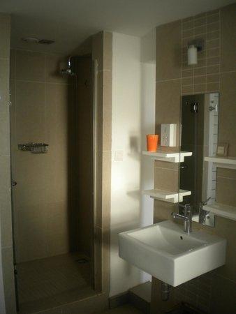 Recif Attitude: salle de bains