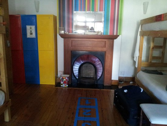 Atlantic Point Backpackers : 8 Bed dorm