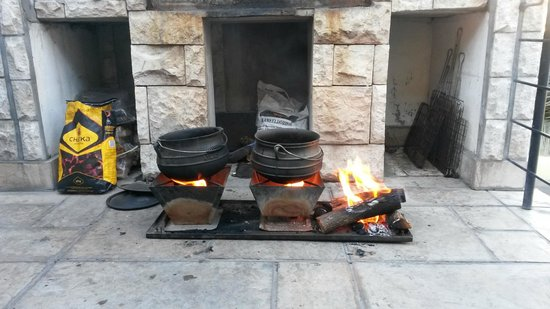 Atlantic Point Backpackers : braai night