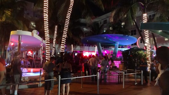 The Tides South Beach: night live
