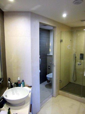 Hilton Malta: Bathroom