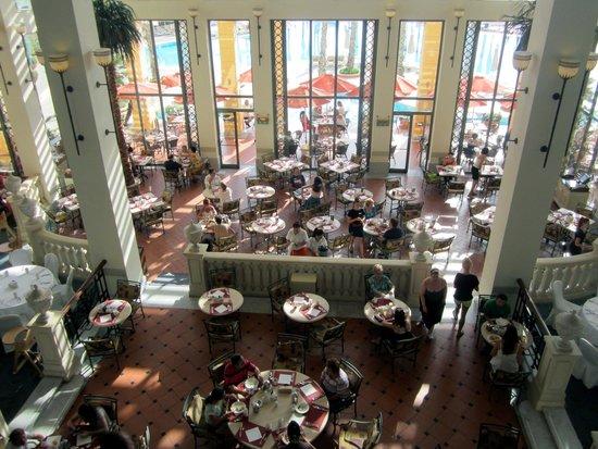 Hilton Malta: Breakfast Room
