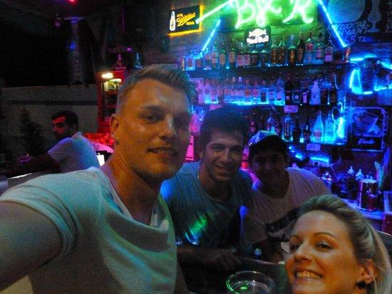 Anfora: Bar #selfie