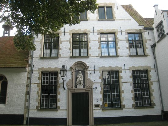 Beguinage (Begijnhof): Religious house