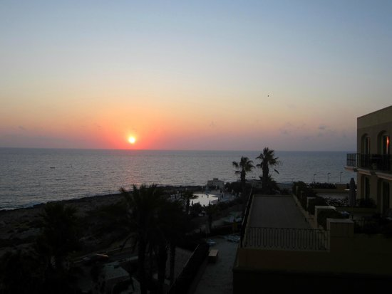 Hilton Malta: View from my room (daybreak)
