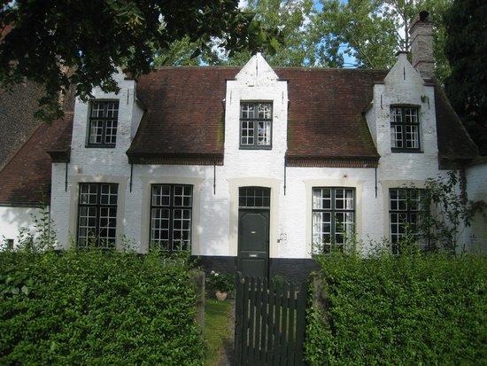 Beguinage (Begijnhof): Lovely cottage
