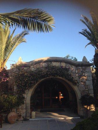 Hotel Ta' Cenc : Entrée de l'hôtel