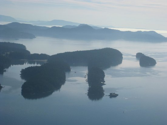 SaltSpring Air Tours : One of the stellar views from the float plan