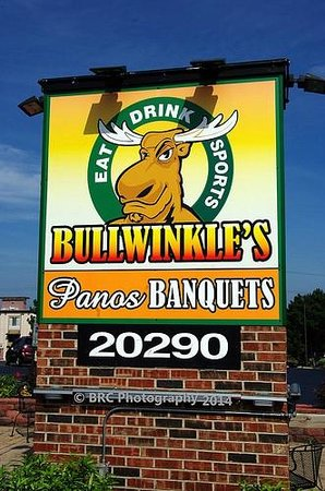 Brookfield, WI: Bullwinkles Sign seen from the parking lot (and Rt 18). This is the image on the souvenir T-Shir
