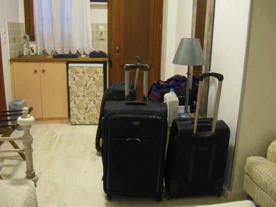 F Charm Hotel: habitación
