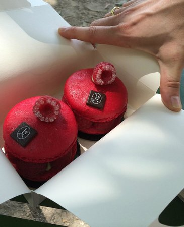 Eric Kayser : Raspberry macaronade- the best ever