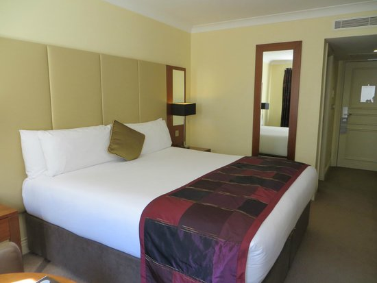 Royal Marine Hotel: Our Room