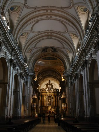 Basilica del Santisimo Sacramento: Interior