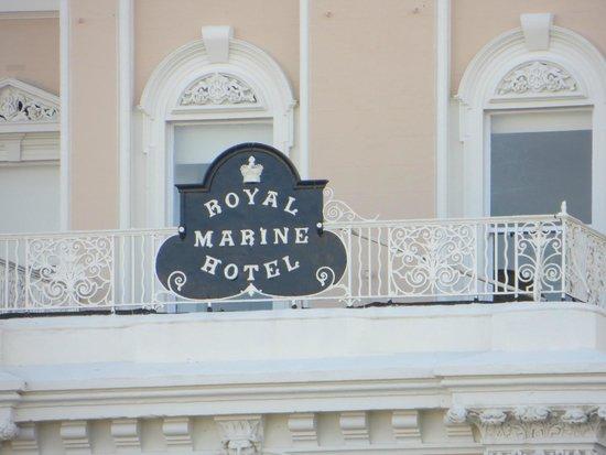 Royal Marine Hotel: Hotel  Sign
