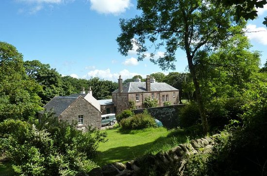 Oatfield Country House B&B: A view of the house from the woods