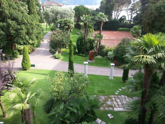 Grand Hotel Villa Castagnola: Blick in Garten aus Zimmer 42