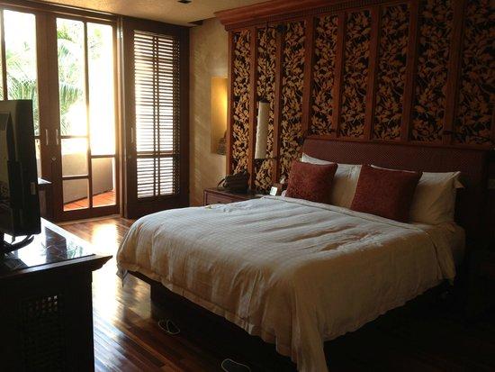 Four Seasons Resort Bali at Sayan: Master bedroom