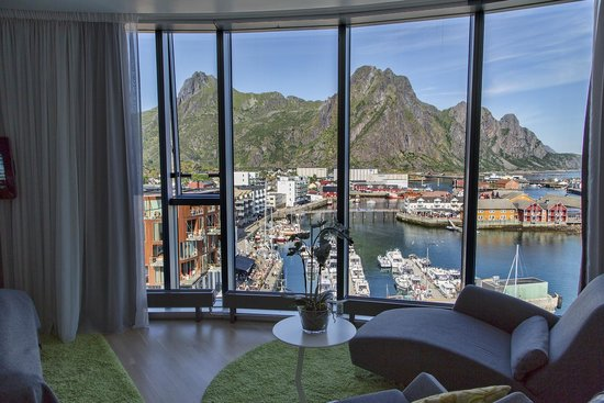 Thon Hotel Lofoten: View room 9th floor