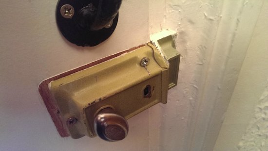 Sandwell House: Bodge job lock