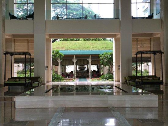 ITC Gardenia, Bengaluru: Entrance