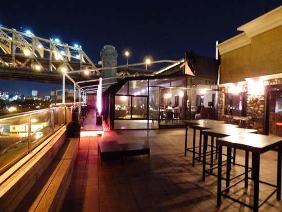 Ravel Hotel: Roof top bar & lounge