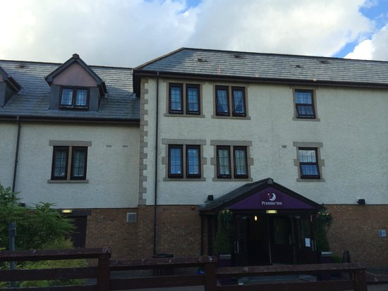 Premier Inn Glasgow (Bearsden) Hotel: Front of main entrance into reception