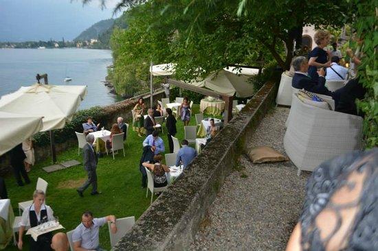 Hotel Camin Colmegna: l'aperitivo nel parco dell'hotel