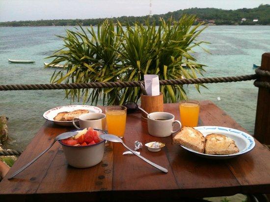 Le Pirate Beach Club Hotel: breakfast (extra tax)