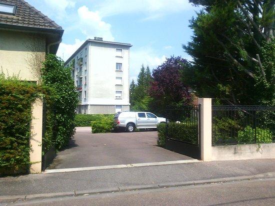 Hotel de Troyes : Parking privado