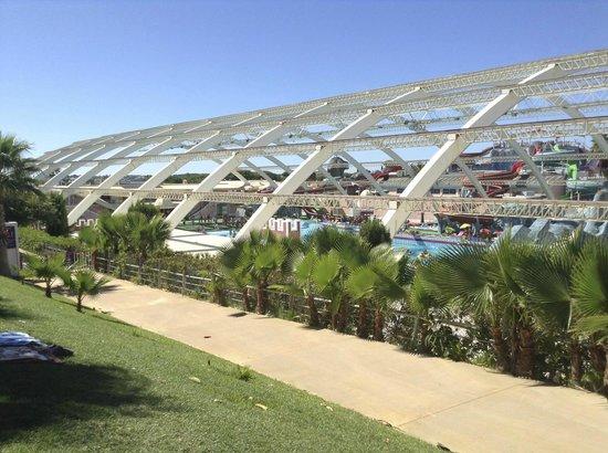 Aquashow Park Hotel: Wave pool at Aquashow Water Park ��