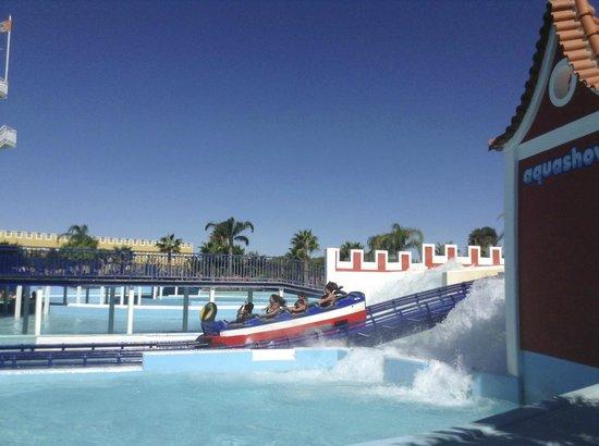 Aquashow Park Hotel : Roller Coaster at Aquashow Water Park ��