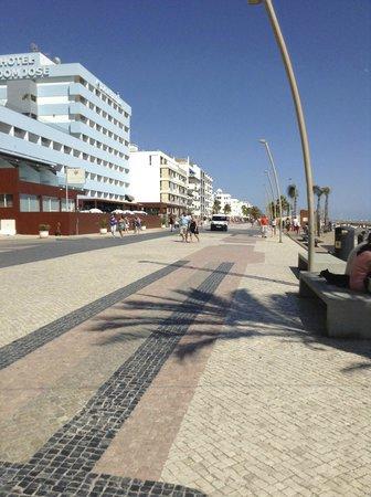 Aquashow Park Hotel : Quarteira Promenade ��