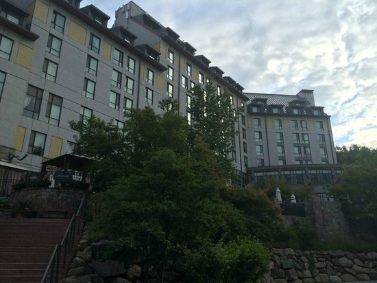 Fairmont Tremblant: Outisde from village side
