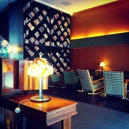 Brown TLV Urban Hotel: Entrance Hall