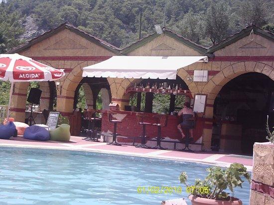 Manzara: the bar at mazara hotel