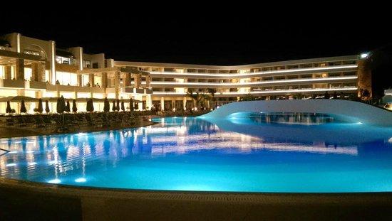Princess Andriana Resort & Spa: Main Pool at night